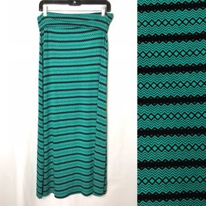Maxi Skirt Turquoise & Black Sz L large